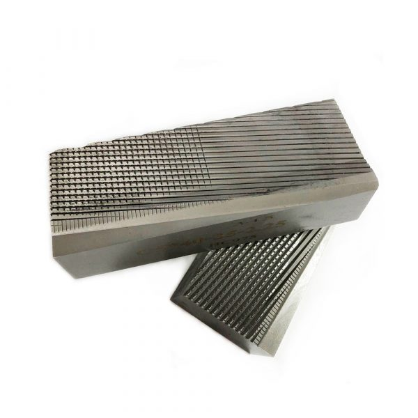 Thread-rolling dies for screws, bolts, self-tapping screws.